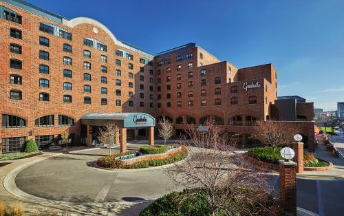 Hotels & Vacation Rentals Near TCF Bank Stadium, USA | Trip101