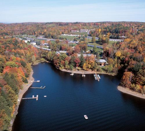 COVE HAVEN RESORT - COUPLES ONLY - Lakeville, PA 18438