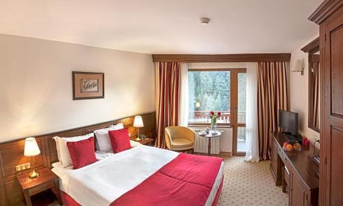 Hotel Yastrebets Wellness & Spa - Photo 2 of 81