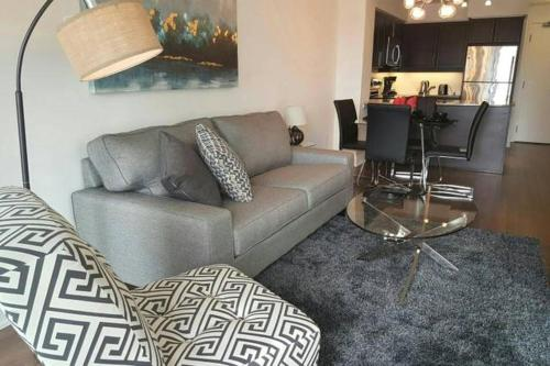 Premium Suites - Yonge/Eglinton room photos