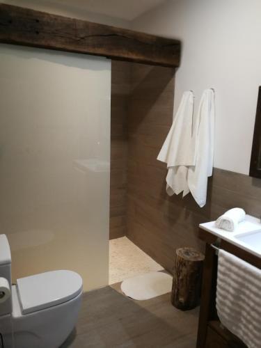 Four-Bedroom House Casa Rural Aromas del Campo 4