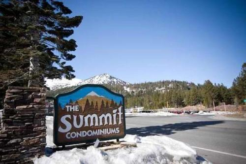 . Summit by 101 Great Escapes