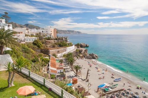 Acapulco Playa Nerja Canovas