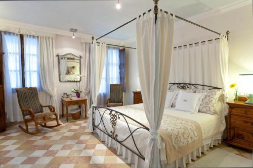 Superior Double or Twin Room Son Sant Jordi - Turismo de Interior 2