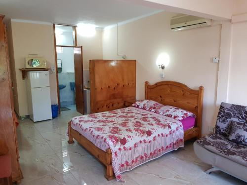 Pereybere Beach Apartments - image 7