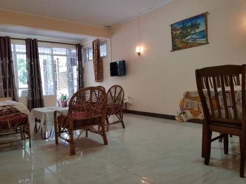 Pereybere Beach Apartments - image 12