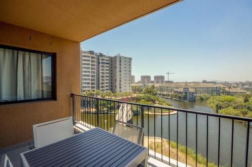 Waters Edge Luxury Apartments Стандартные апартаменты с 2 спальнями