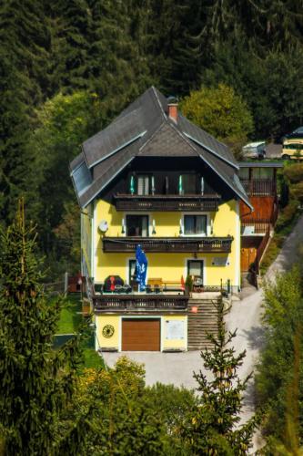 . Gästehaus Zur Waldschule