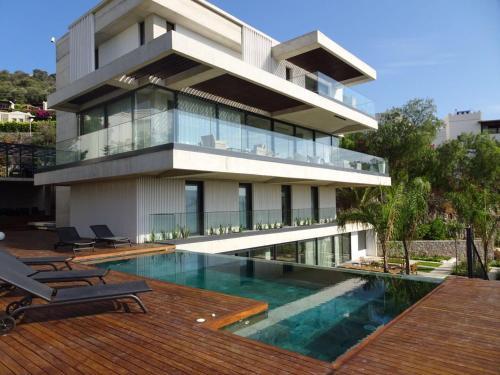Gundogan Royal Villa by Exclusive Holiday