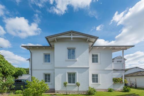 Haus Kastanienblick by Rujana
