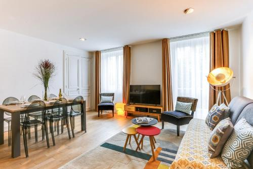 Apartments Paris Centre - At Home Hotel photo 66