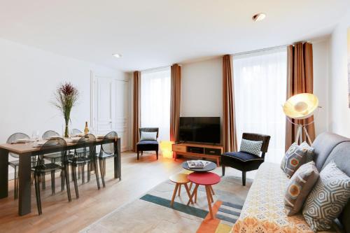 Apartments Paris Centre - At Home Hotel photo 73