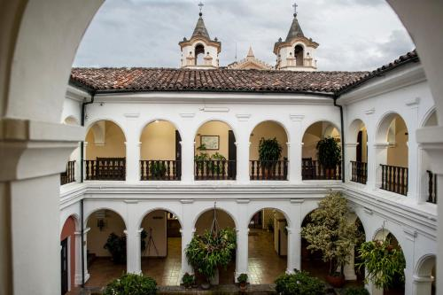 . Hotel La Plazuela