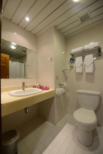 صور غرفة Days Inn by Wyndham Guam-Tamuning