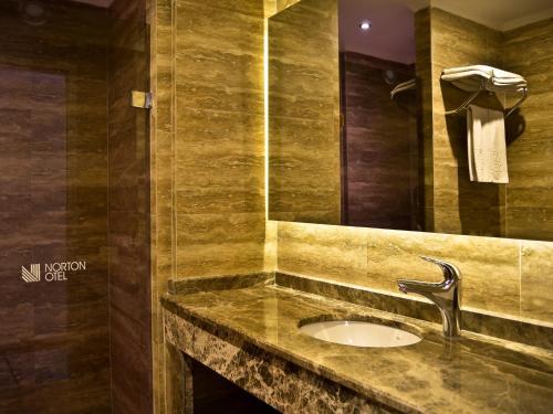 Фото отеля Norton Hotel