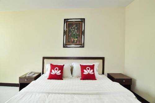 ZEN Rooms Aryan Suites photo 14