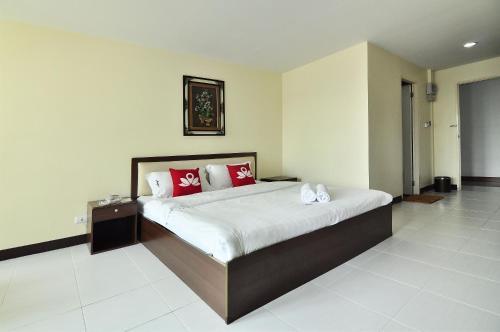 ZEN Rooms Aryan Suites photo 15