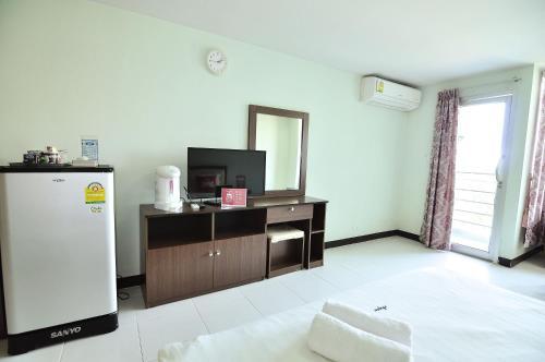 ZEN Rooms Aryan Suites photo 18