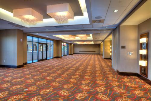 Ramada Plaza Resort & Suites by Wyndham Orlando Intl Drive photo 27