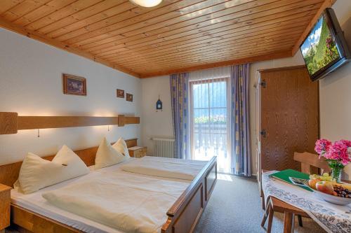 Фото отеля Bio-Bauernhof EDERHOF