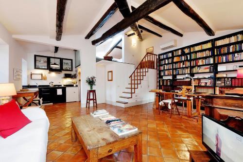 Trastevere Charming Loft   Romeloft