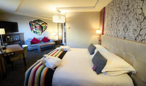 Junior Suite with Double Bed and Double Sofa Bed
