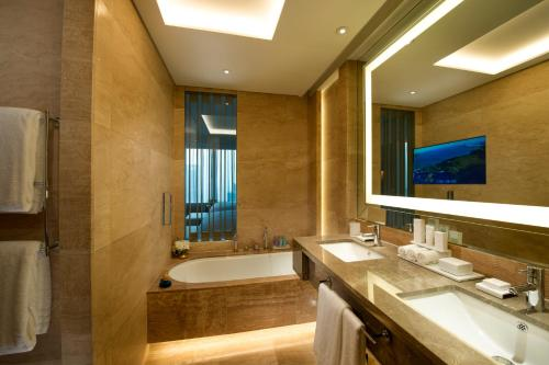 Staycation Offer - Executive King Room with City View