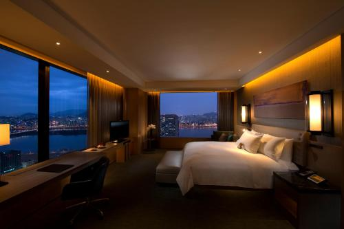 Staycation Offer - Conrad Suite