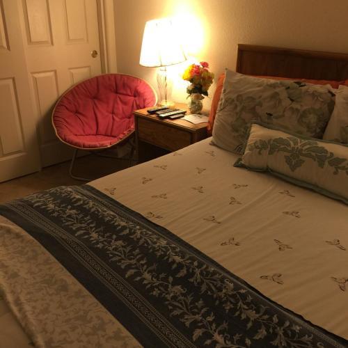Cozy-Quiet Guest Room - Henderson, NV 89002