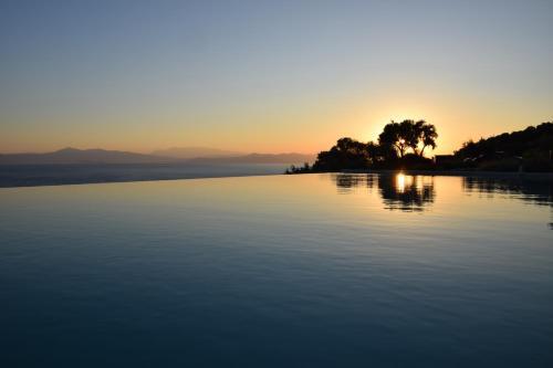 . Elimnion Resort