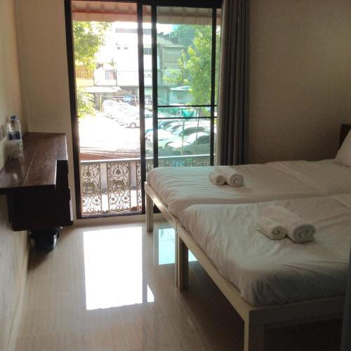 BC Guesthouse Si Phraya photo 37