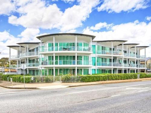. Gallery Resort Apartments