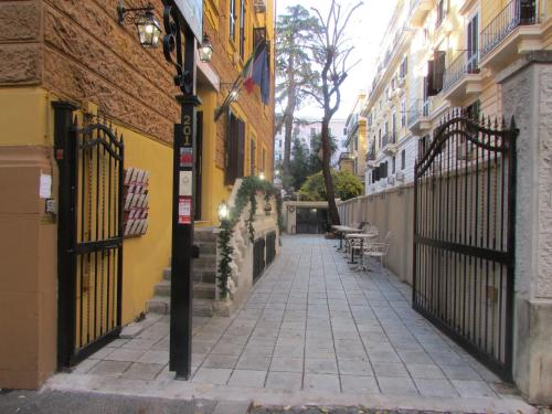 Vatican Garden Inn Guest House