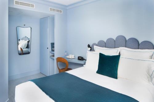 Celeste Hotel & Spa Paris Batignolles, Paris