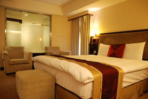 Nisus Hotel