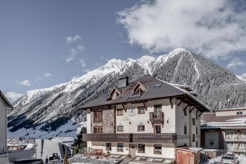 Hotel Garni Caroline Ischgl