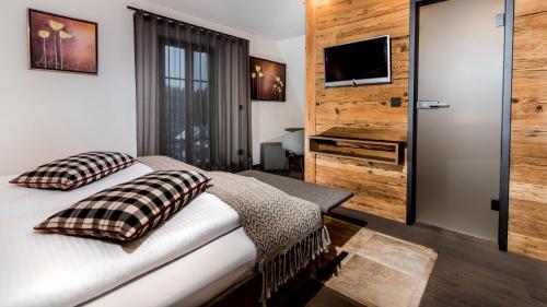 . Hotel-Gasthof Adler