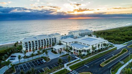3793 NE Ocean Boulevard, Jensen Beach, Florida, 34957, United States.