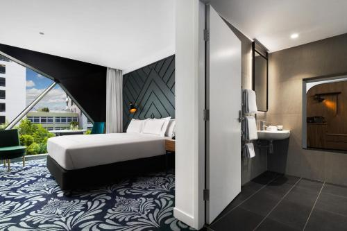 West Hotel Sydney Curio Collection by Hilton - image 6