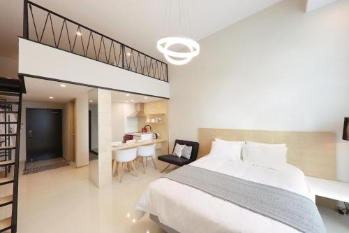 With Land The Story Residence - Accommodation - Pyeongchang