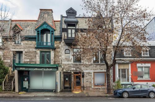 . Montreal Styled 2 BR Apartment on St-Denis Street