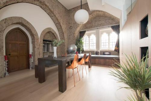 Spacious Award Winning Church Tower Conversion a London
