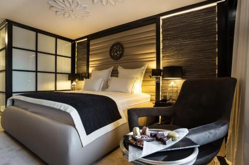 Room #2900230
