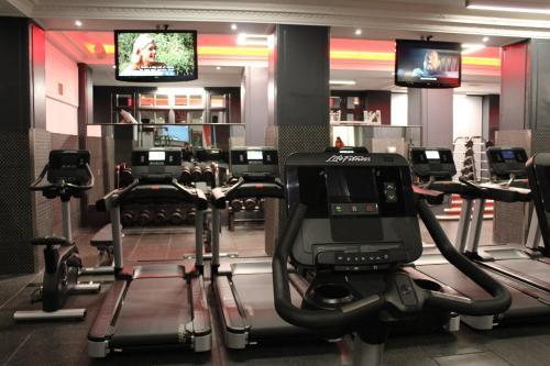 The Waldorf Hilton photo 48