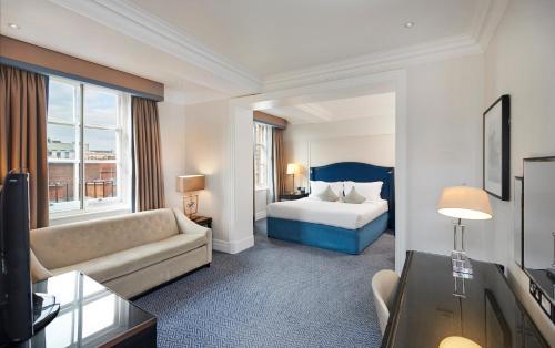 The Waldorf Hilton photo 50