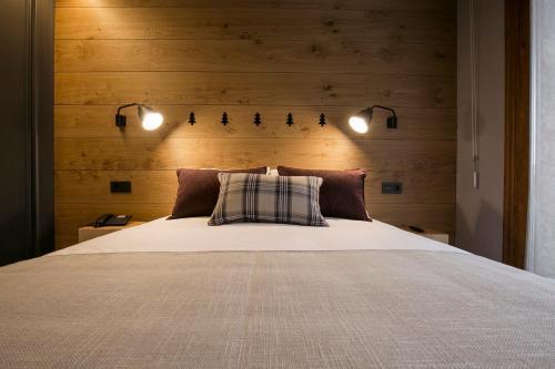 Double or Twin Room Hotel Xalet Montana 4
