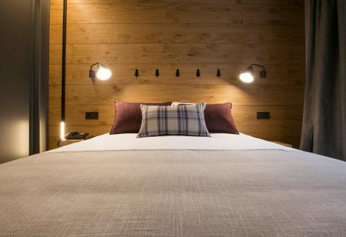 Double or Twin Room with Spa Access Hotel Xalet Montana 2