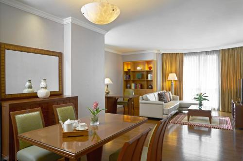 Marriott Executive Apartments Mayfair Bangkok photo 41