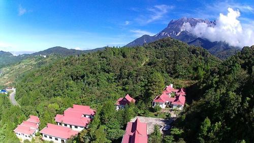 . Skyville Zen Resort,Kundasang