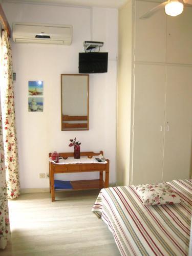 Фото отеля Danae Apartments